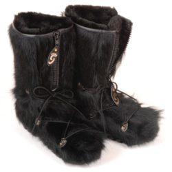botte-fourrure-vache-noire-hiver